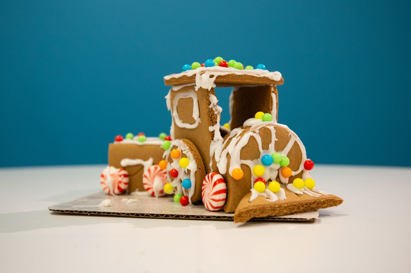 How to build your best gingerbread house this holiday season