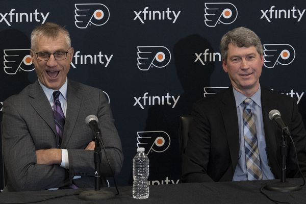 Flyers president Paul Holmgren says he decided to 'step aside,' is now senior adviser