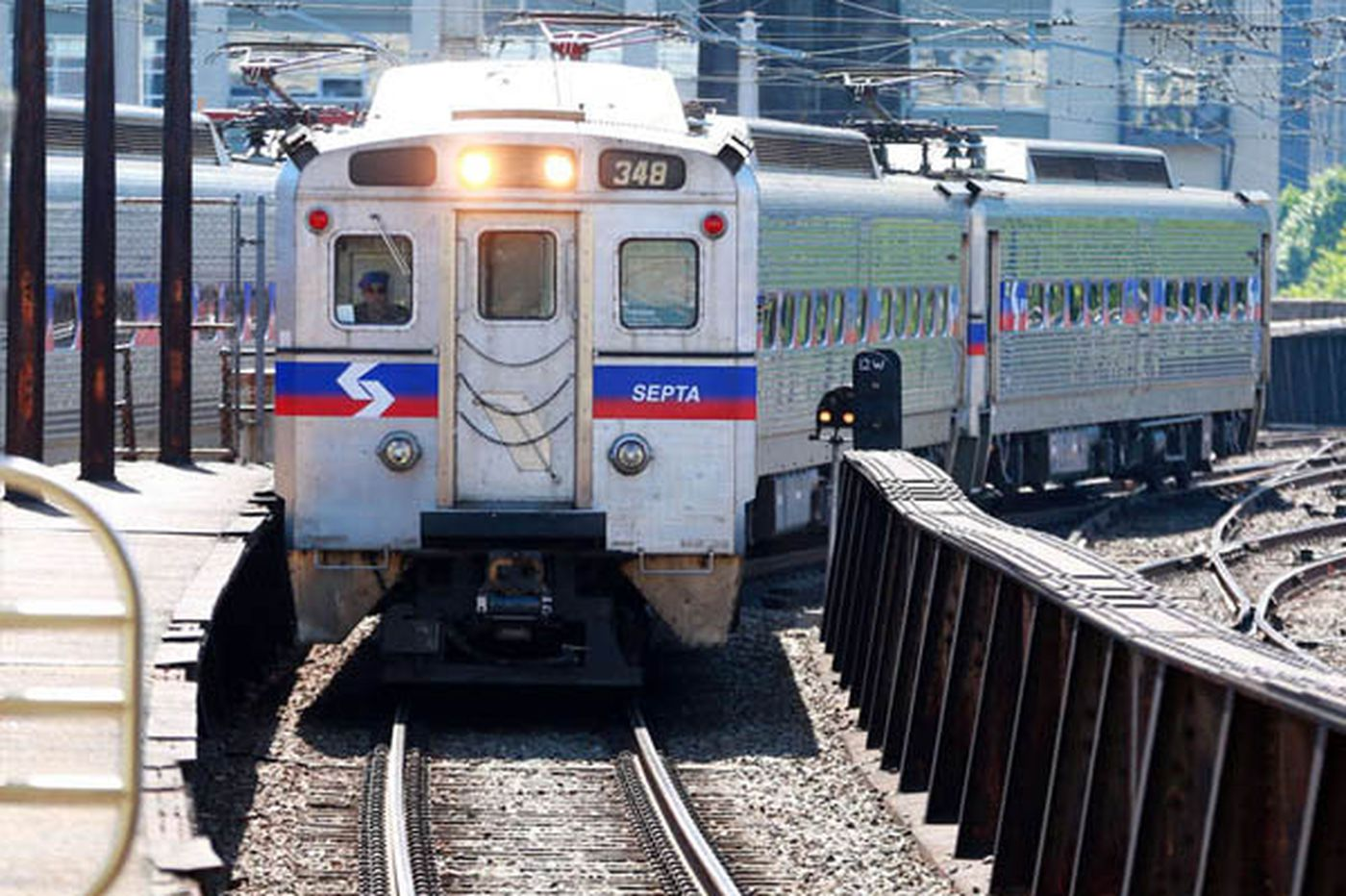 SEPTA invests big in solar panels to save money, reduce greenhouse gas pollution