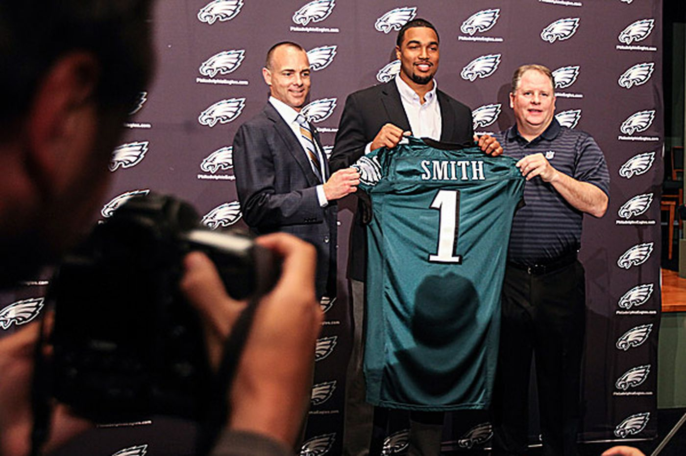 Eagles Notebook: Kelly, Roseman relationship: 'Beautiful thing'