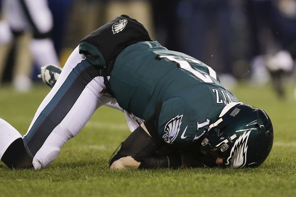 Carson Wentz's concussion was reason enough to bench him, but the injury's effect is unclear