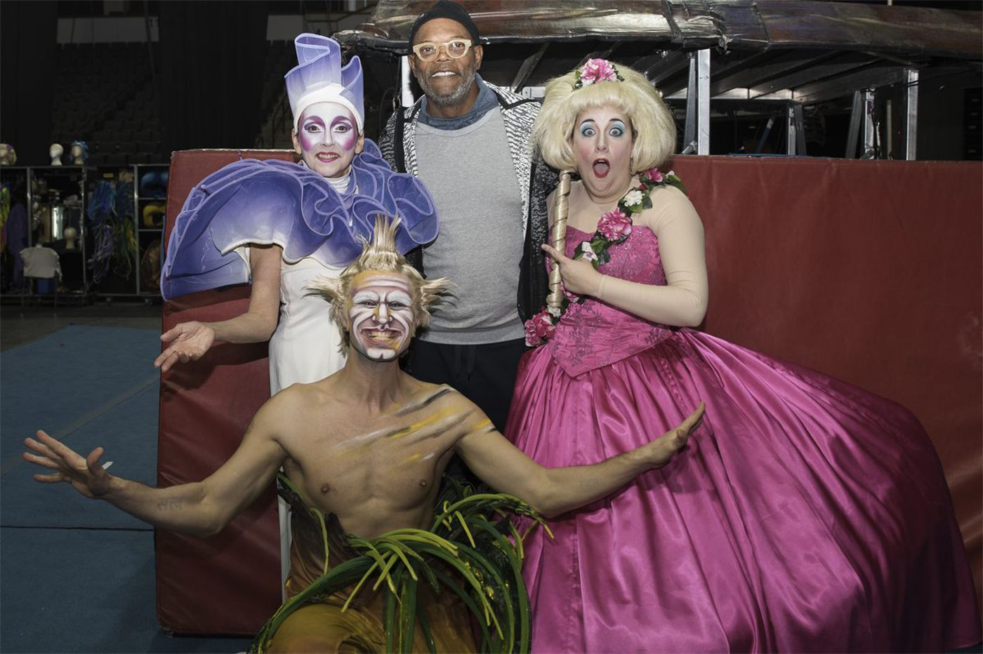 Samuel L. Jackson hangs out with Cirque du Soleil