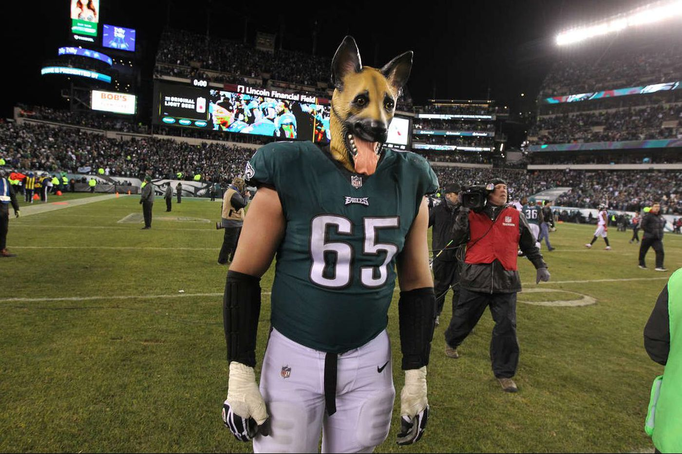 9193b35038f Lane Johnson's 'home dogs' T-shirt, dog masks raise $100K for Philadelphia  schools