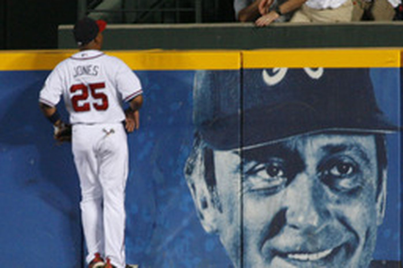 Gordon heads home as Phils fall to Braves