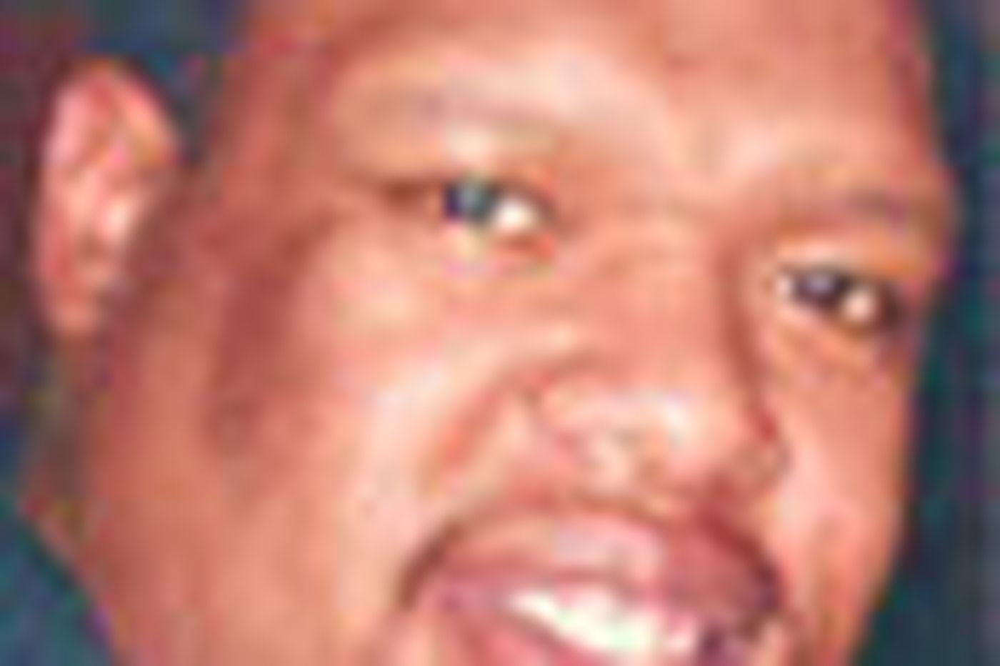 Peter S. Lyde Jr., a gentle big man, dies at 25
