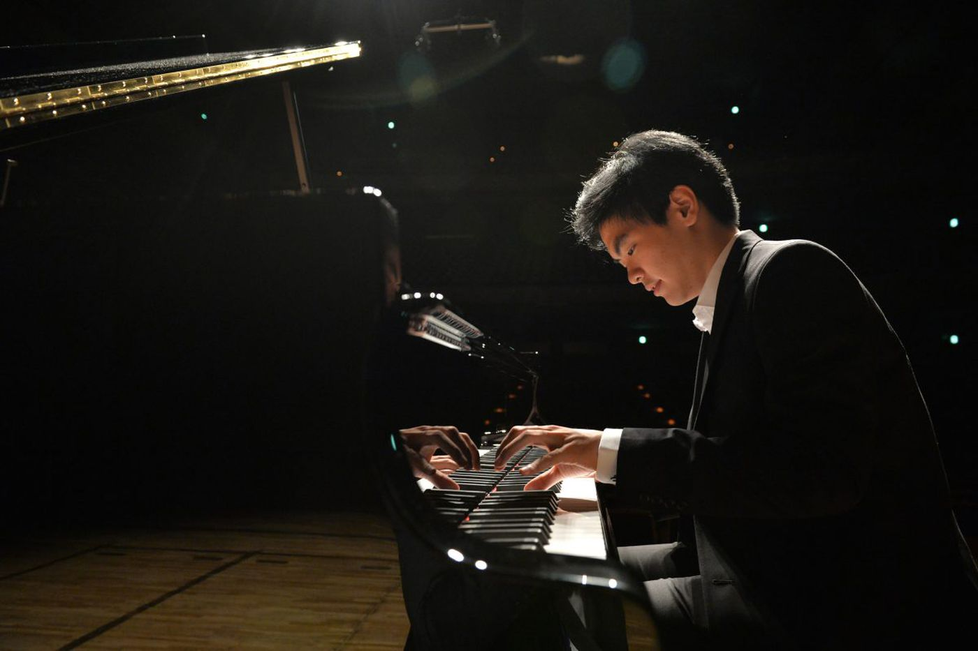 At 19, Philly piano student is crushing the Van Cliburn competition