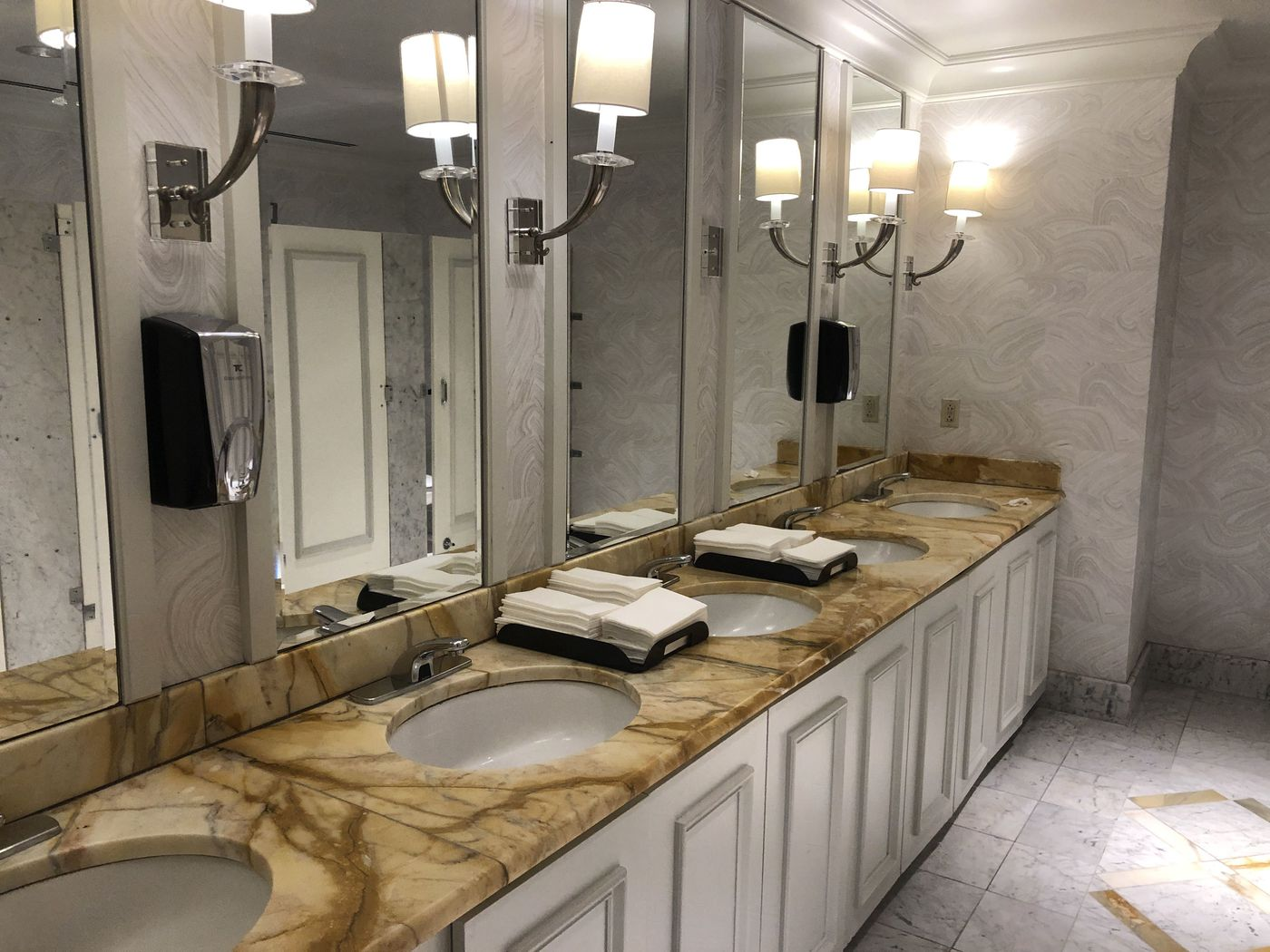 The Best Restrooms In Philadelphia That You Can Use Without Buying Anything