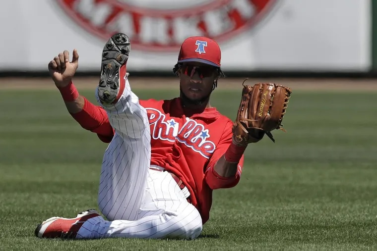 Phillies inifelder Pedro Florimon will be on the disabled list with a broken foot.