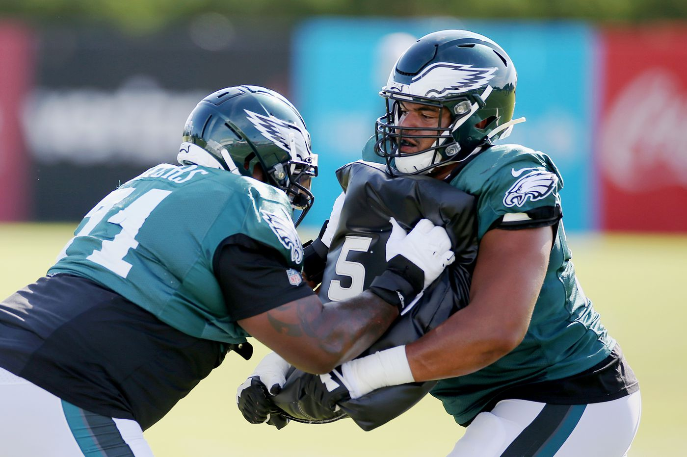 How might Jason Peters' Eagles return affect Andre Dillard?
