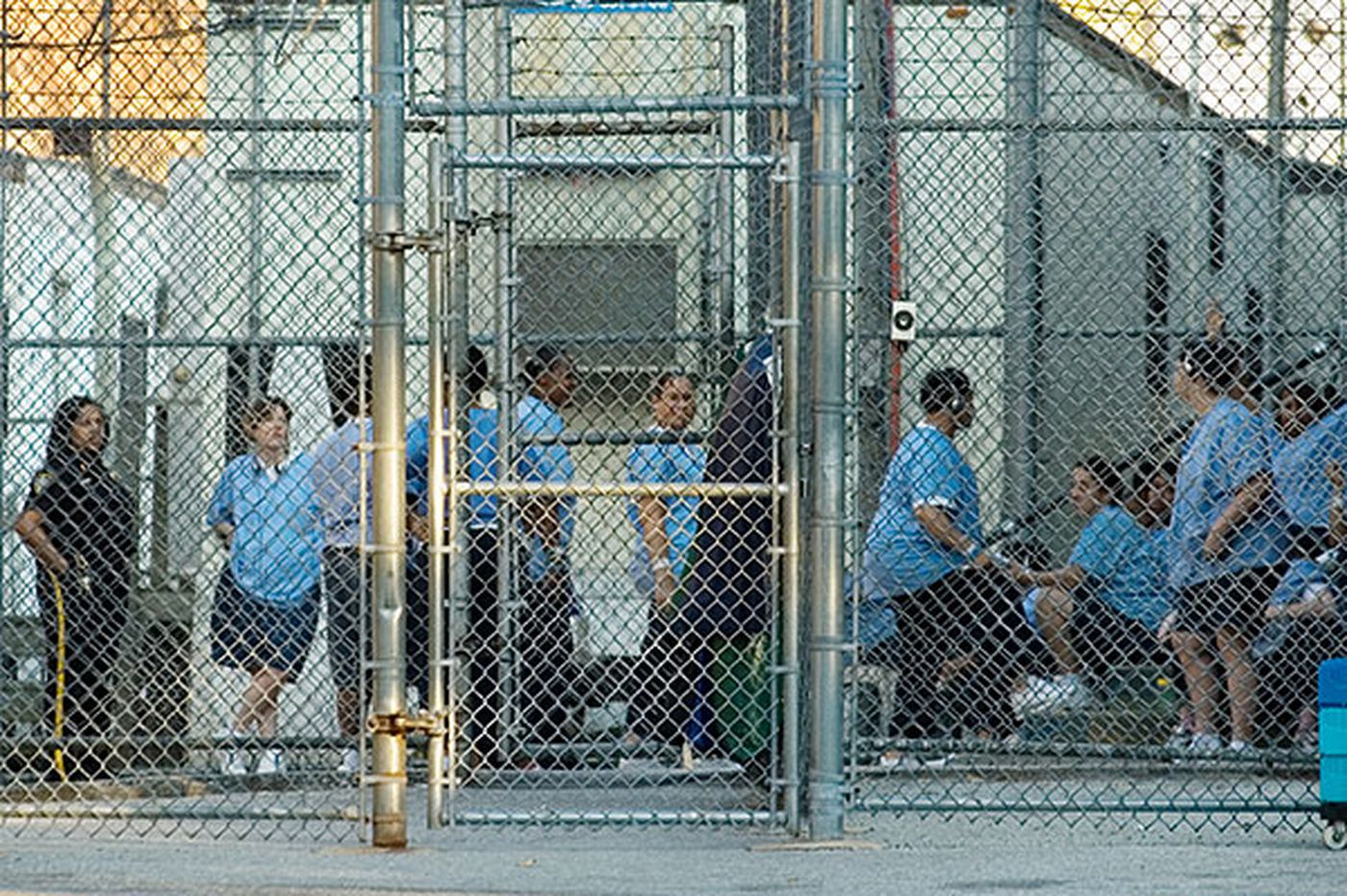 2 overflow prisons to close