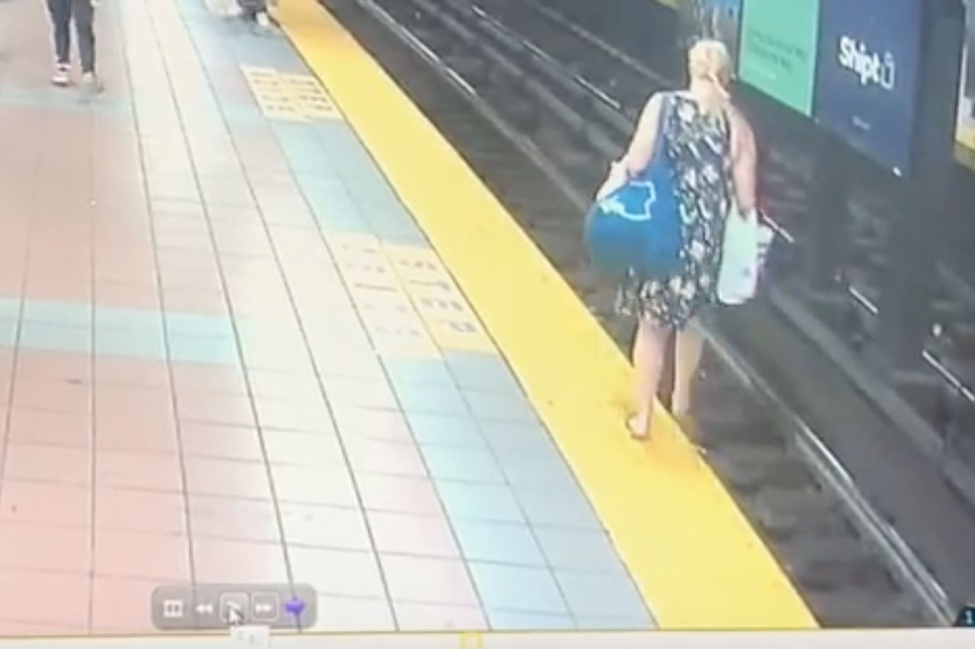 SEPTA rider who fell on the track is rescued by a fellow passenger