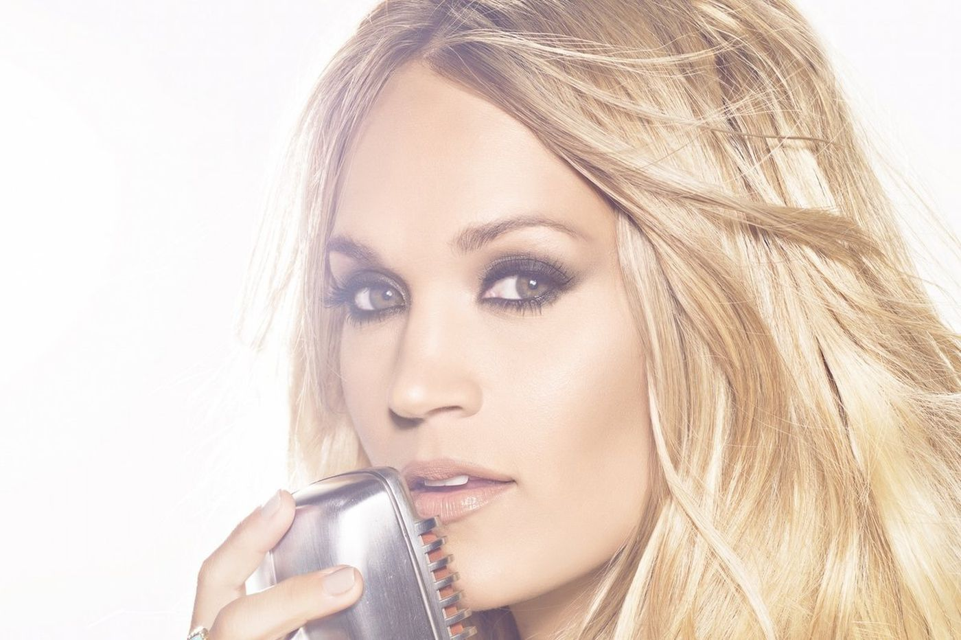 Carrie Underwood, less ginormous than usual, at the Fillmore