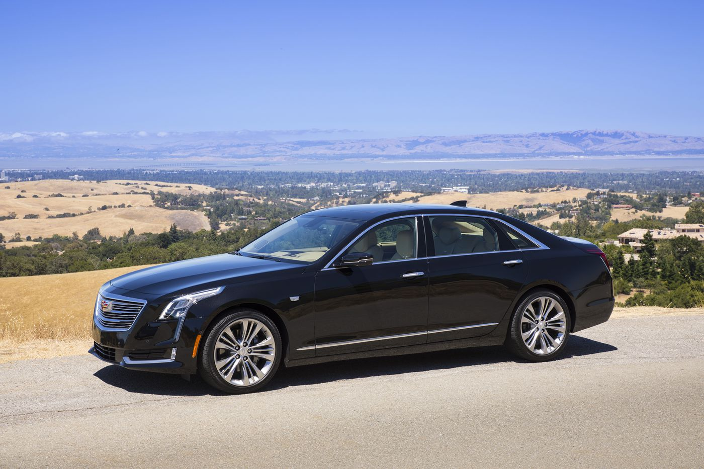 Cadillac CT6 with Super Cruise takes command of Driver's Seat