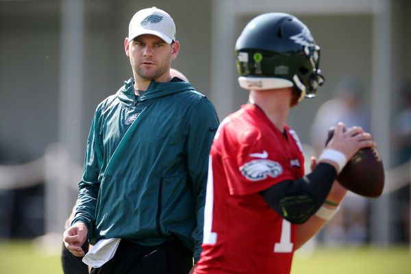 Eagles quarterbacks coach Press Taylor to be named pass game coordinator; former Broncos offensive coordinator to join staff