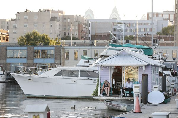 Houseboat offers tiny living on the Delaware River