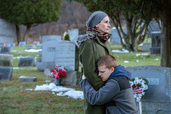 An addicted son makes a dangerous journey into his past in 'Ben is Back'   Movie Review
