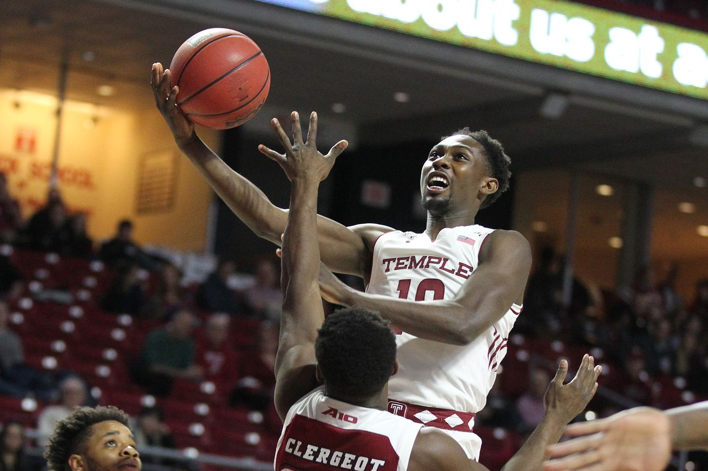 Shizz Alston's career-high 31 points lead Temple over UMass
