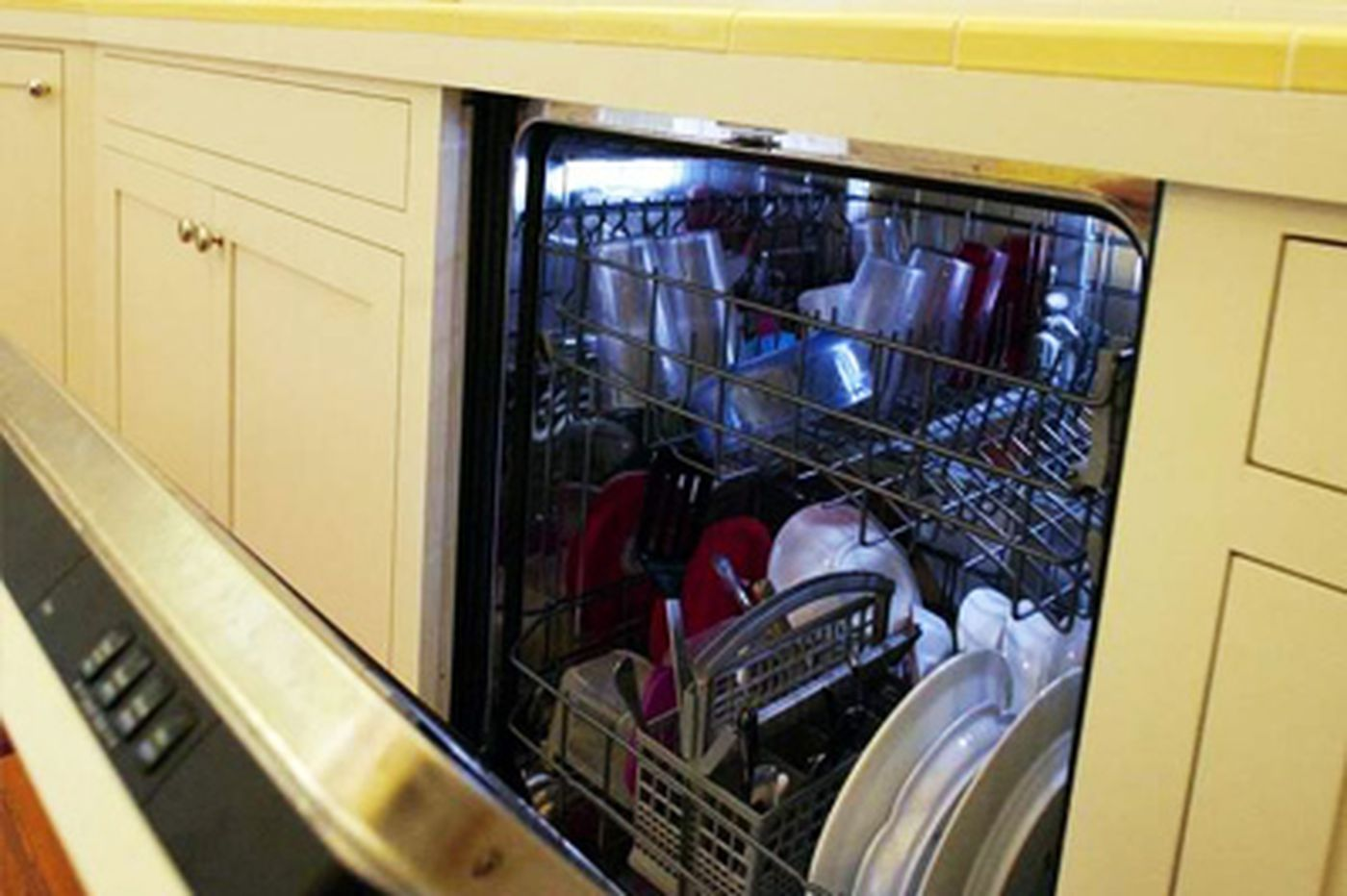 Readers deal with rusting dishwasher racks