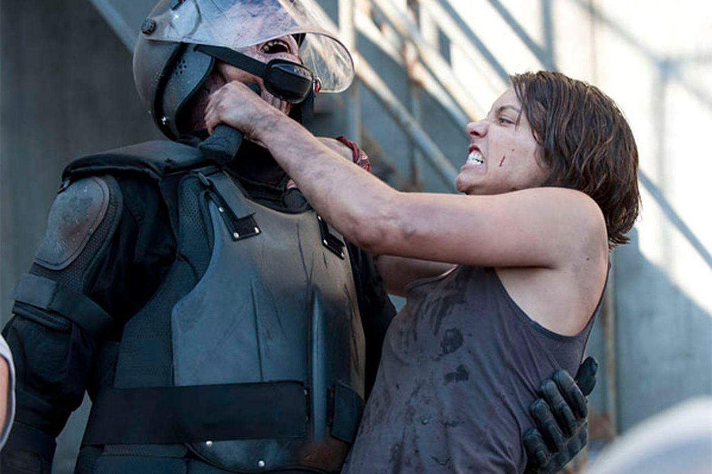Lauren Cohan of 'Walking Dead' sticks it to zombies