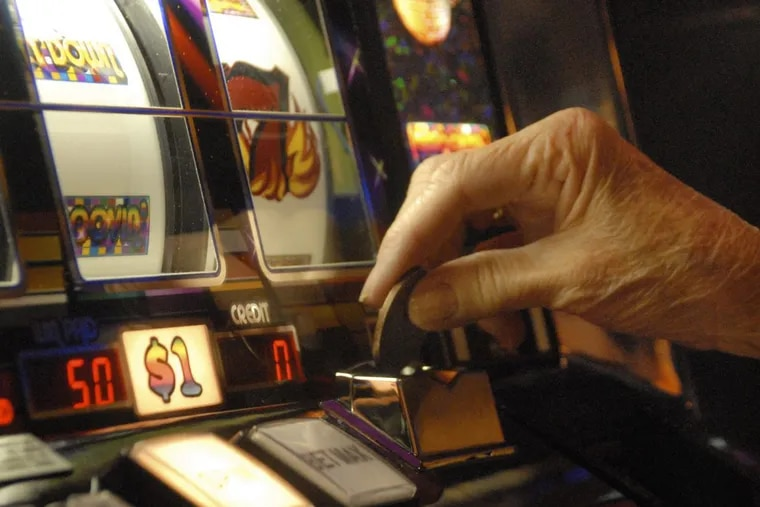 The permit granted for the new casino allows holders to operate between 300 and 750 slot machines.