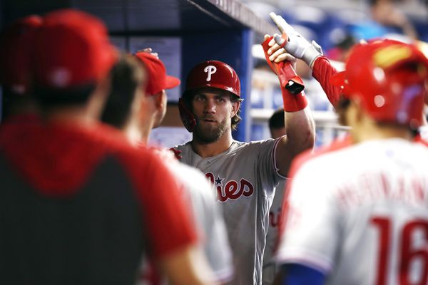 Bryce Harper homers as Phillies snap losing streak to Marlins with 13-6 win
