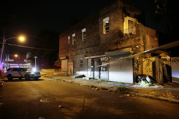 Gunman fires at police, triggers 90-minute standoff in North Philadelphia