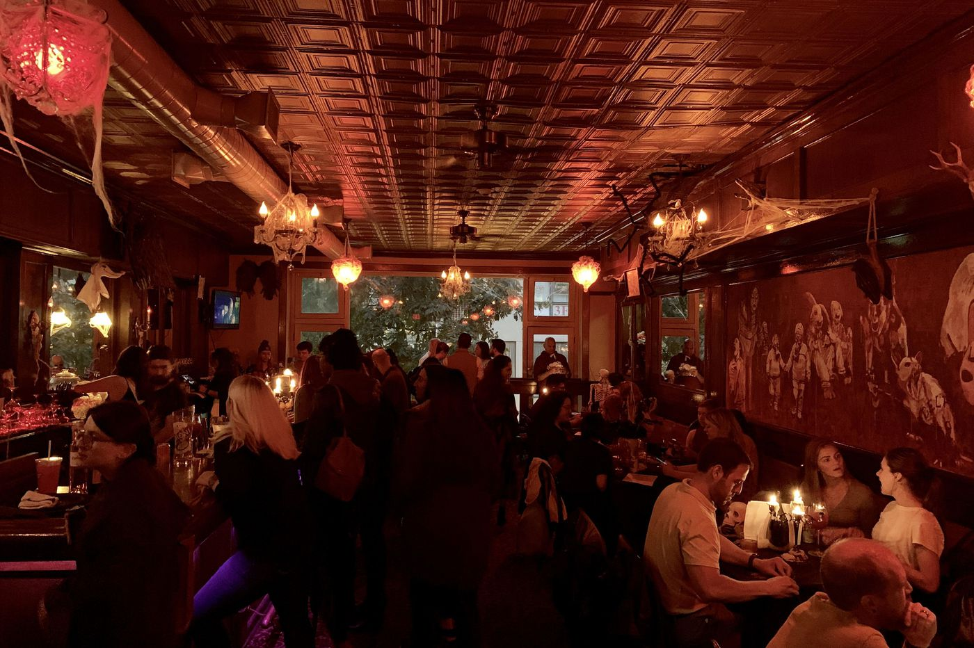 A look inside Philly's Halloween bars