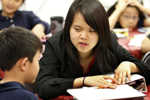 Group tries to bridge Viet families' generational and cultural gap