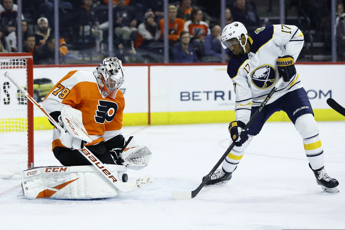 Flyers, mostly silent (so far) in free agency, lose Tyler Pitlick; Wayne Simmonds heads to Toronto, Henrik Lundqvist to Capitals