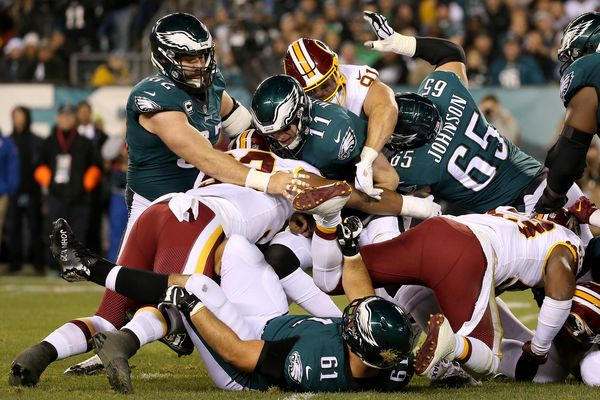 Carson Wentz survives a few wobbles to give the Eagles a big victory over the Redskins