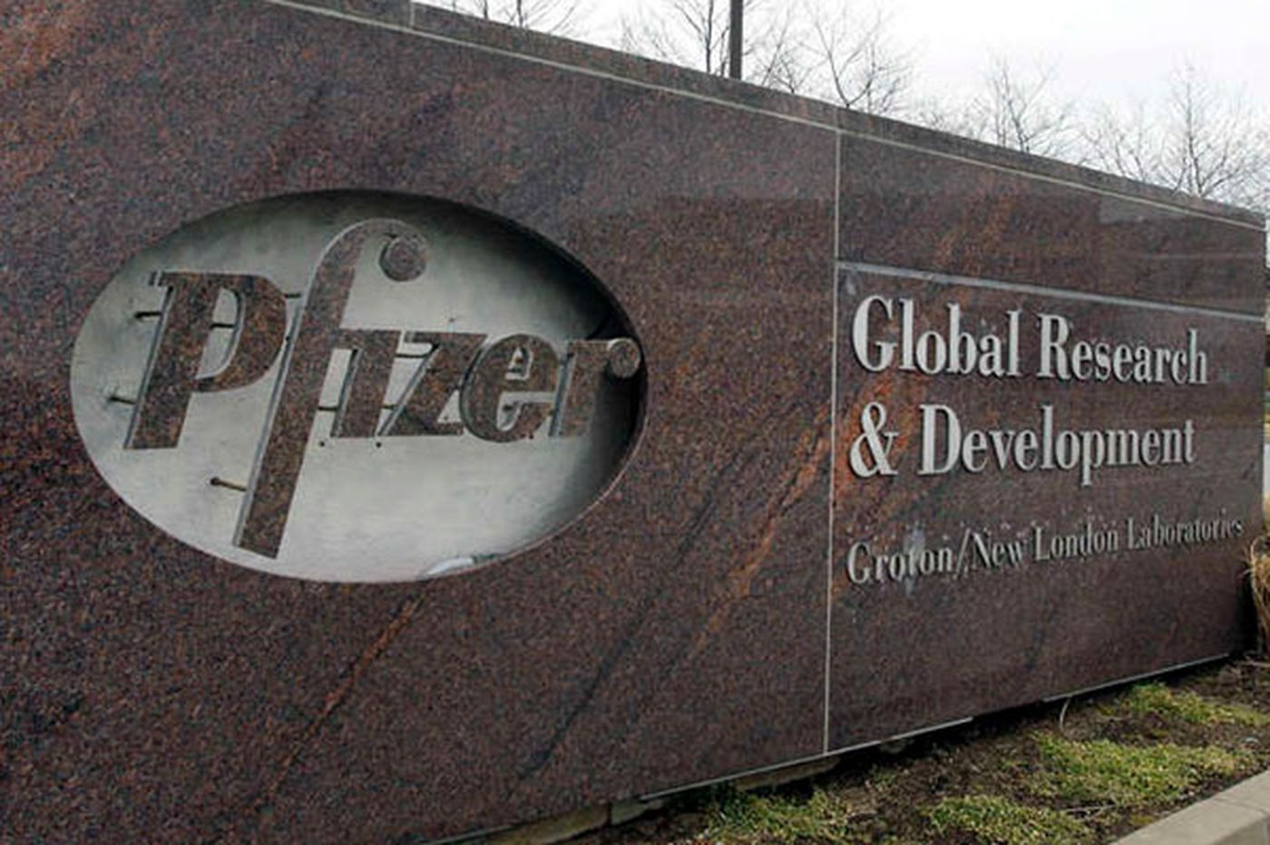 Drugmaker Pfizer fails to escape costly asbestos case