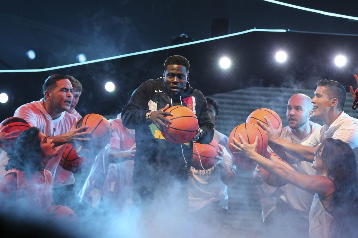 The Internet hated Kevin Hart's NBA All-Star Game intro almost as much as Fergie's National Anthem