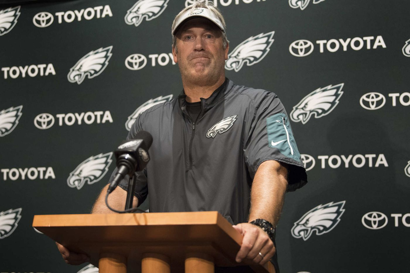 Eagles' Doug Pederson not eager to answer questions on White House controversy