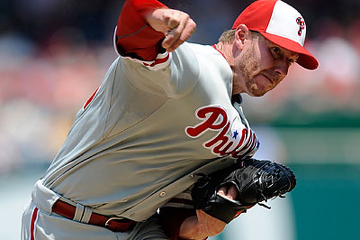 Halladay labors in D.C. but shows why he's No. 1