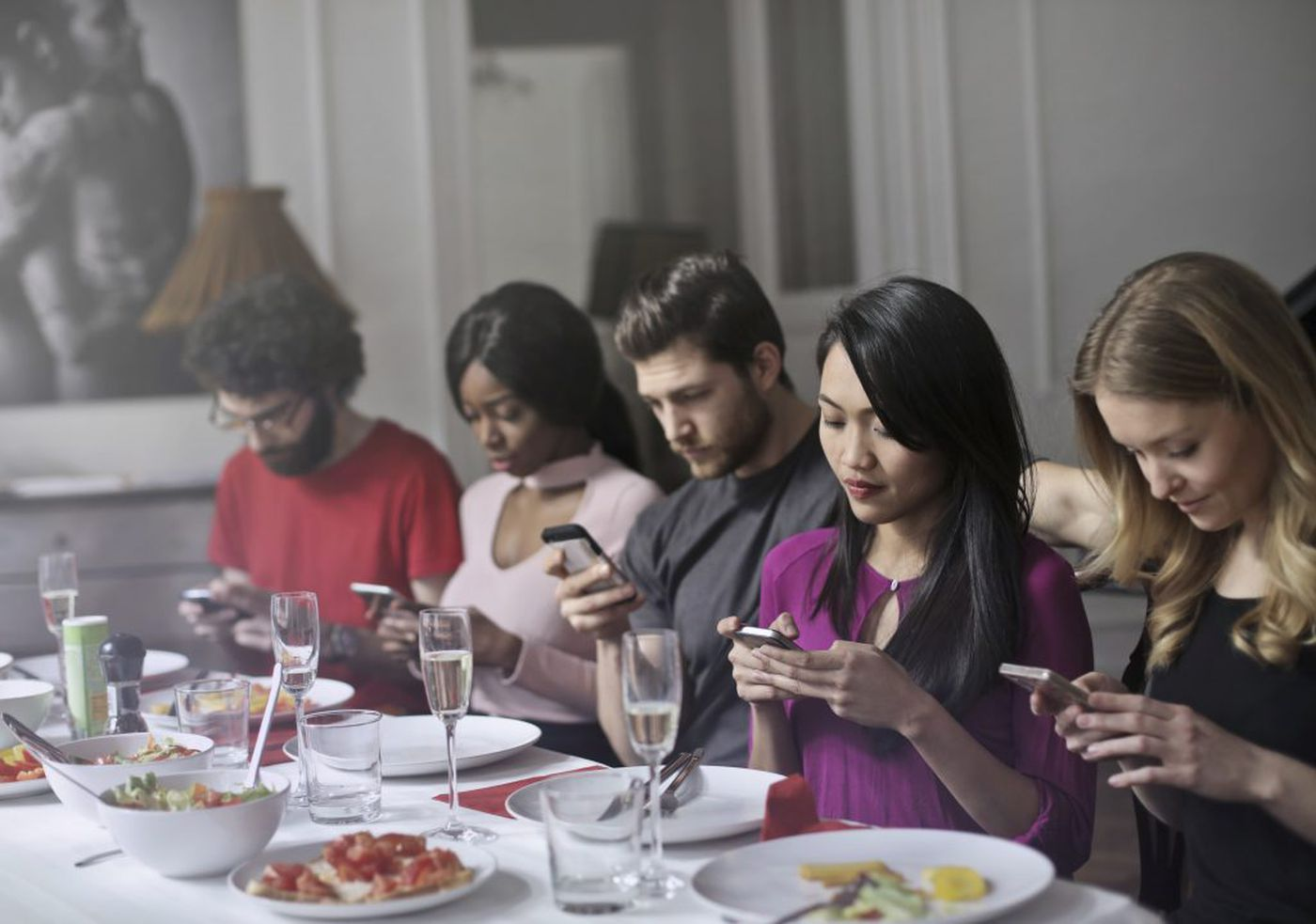 Top tips on how to deal with phone addiction