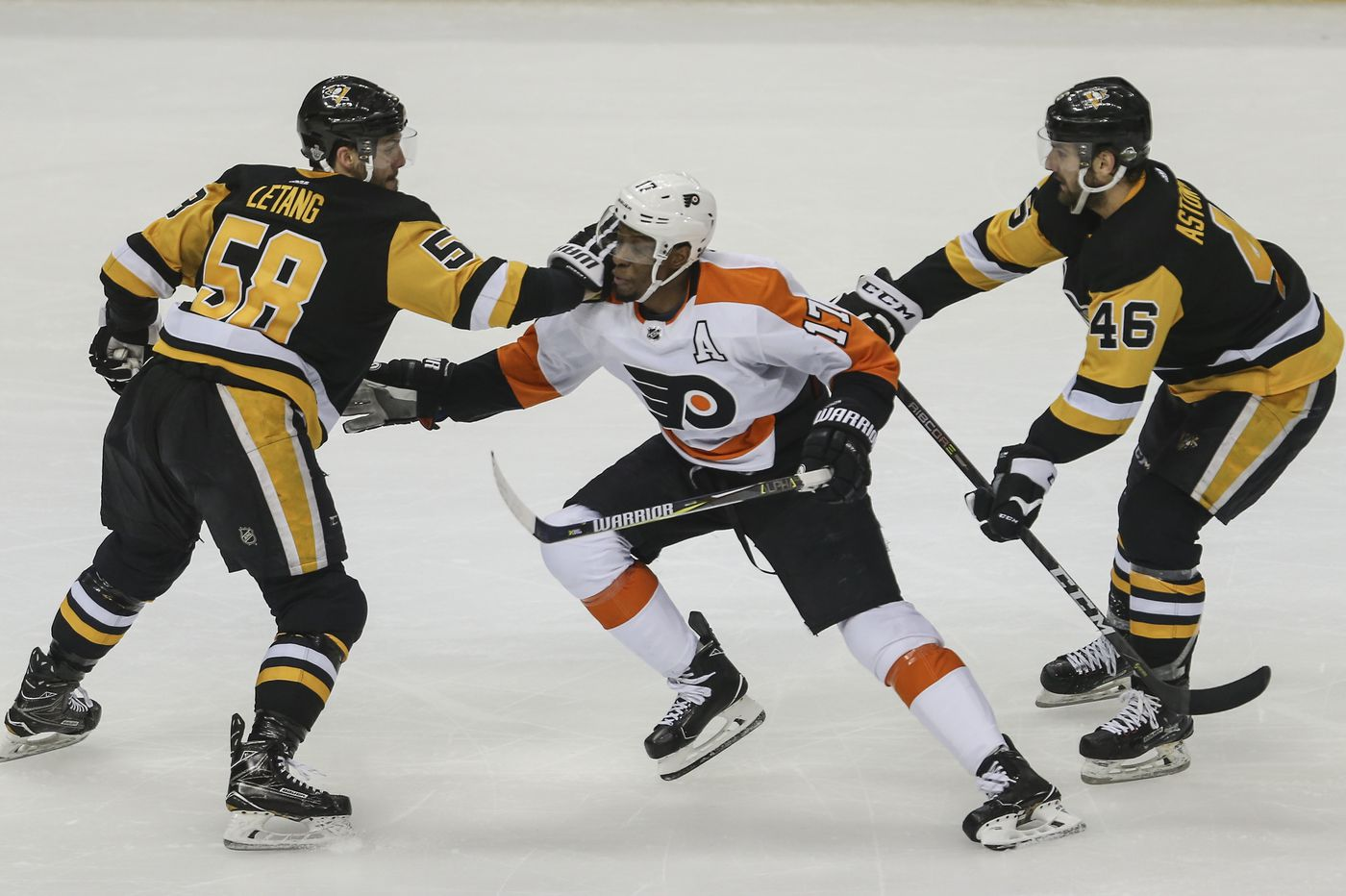 James van Riemsdyk, Wayne Simmonds moved to Flyers' second line ahead of game at Pittsburgh Penguins