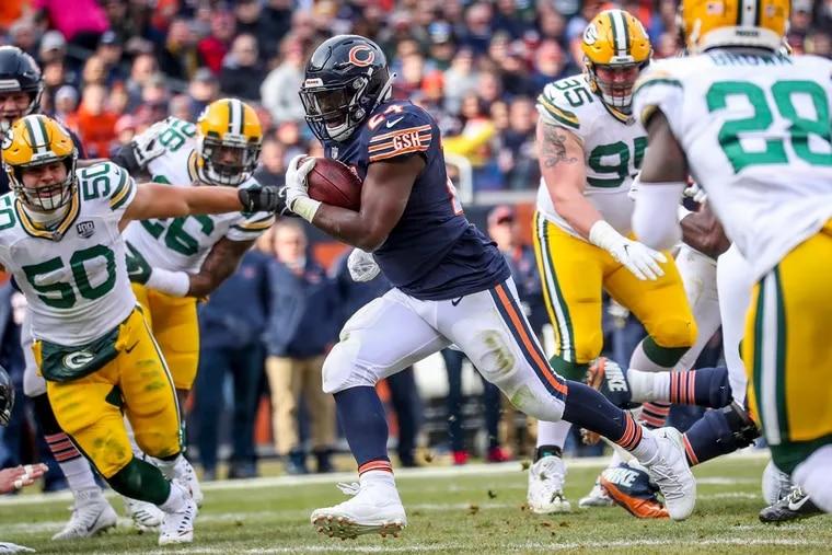 Bears running back Jordan Howard (24) scoring a TD against the Packers in December.
