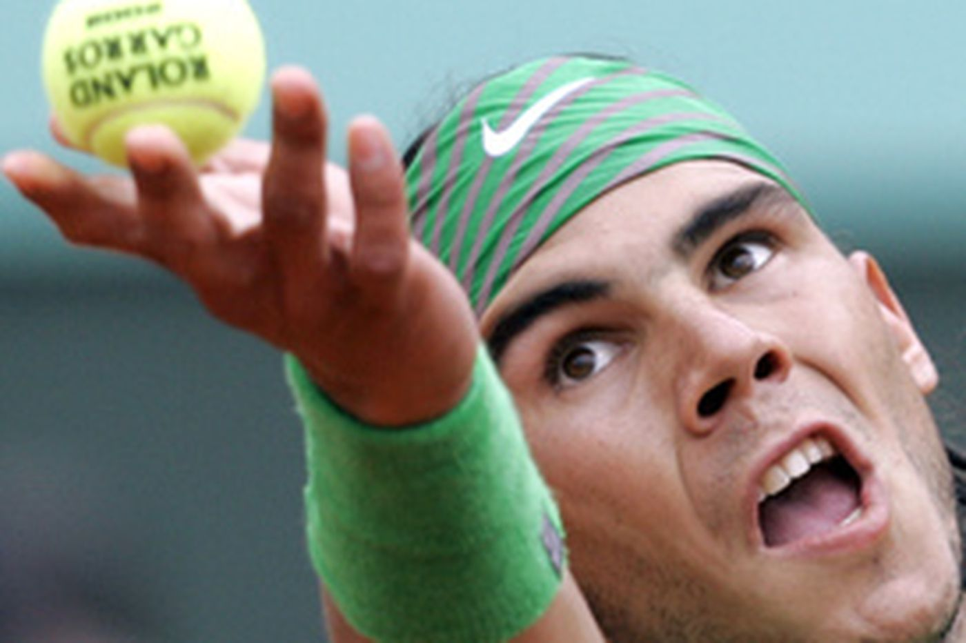 Nadal captures 4th straight title