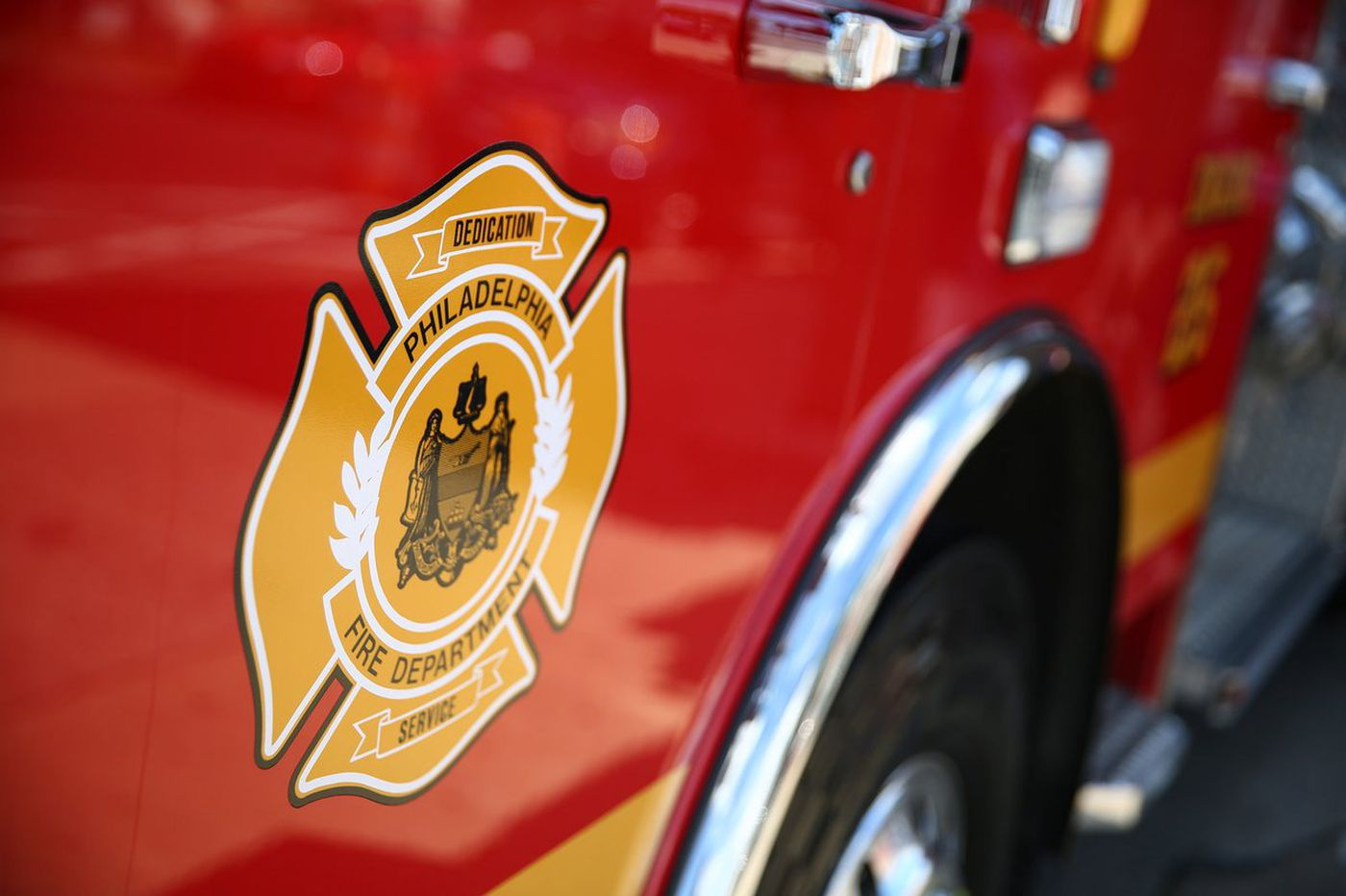 Man found dead at scene of Southwest Philly rowhouse fire