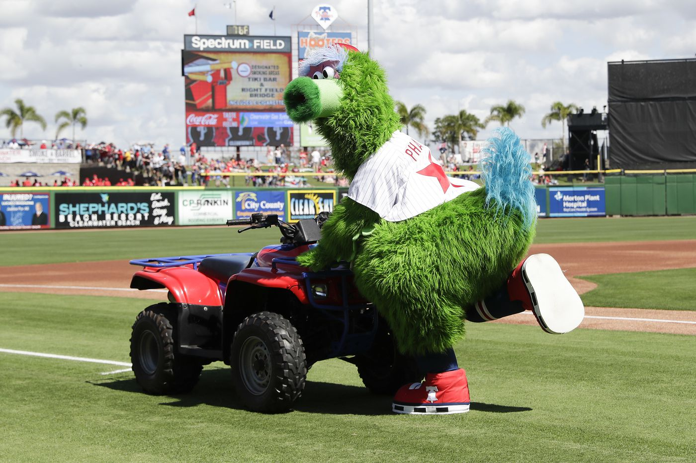 Phillie Phanatic debuts his new look: Wings, a tail, and a bigger backside
