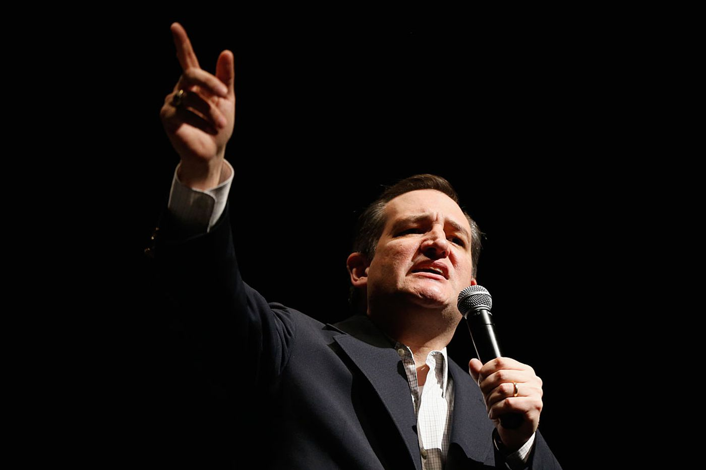 N.J. judge hears two challenges to Cruz eligibility