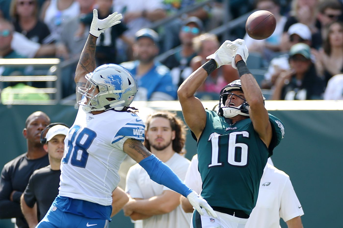 Eagles' expectations for wide receivers were wildly unrealistic, it seems; now the offense grinds it out