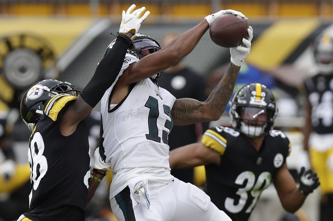 Travis Fulgham connects with Carson Wentz as one of the Eagles' few bright spots vs. Steelers
