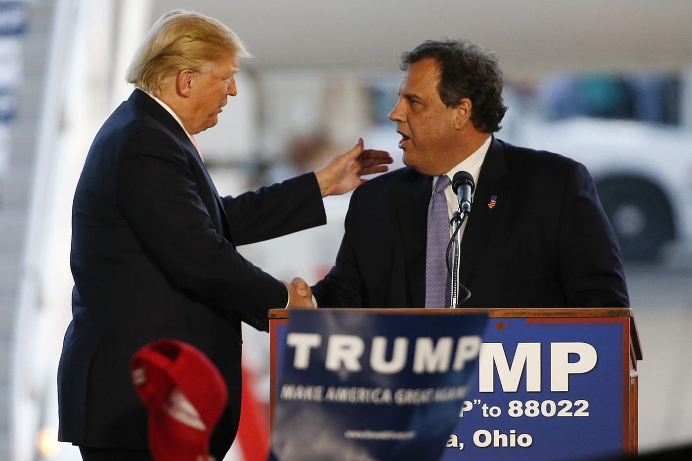 New Yorker reporter defends story that Christie fetched McDonalds for Trump