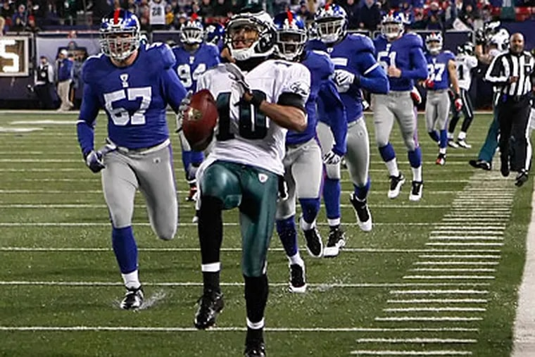 DeSean Jackson tiptoed down the sideline on his 72-yard punt return for a touchdown against the Giants. (Ron Cortes/Staff Photographer)