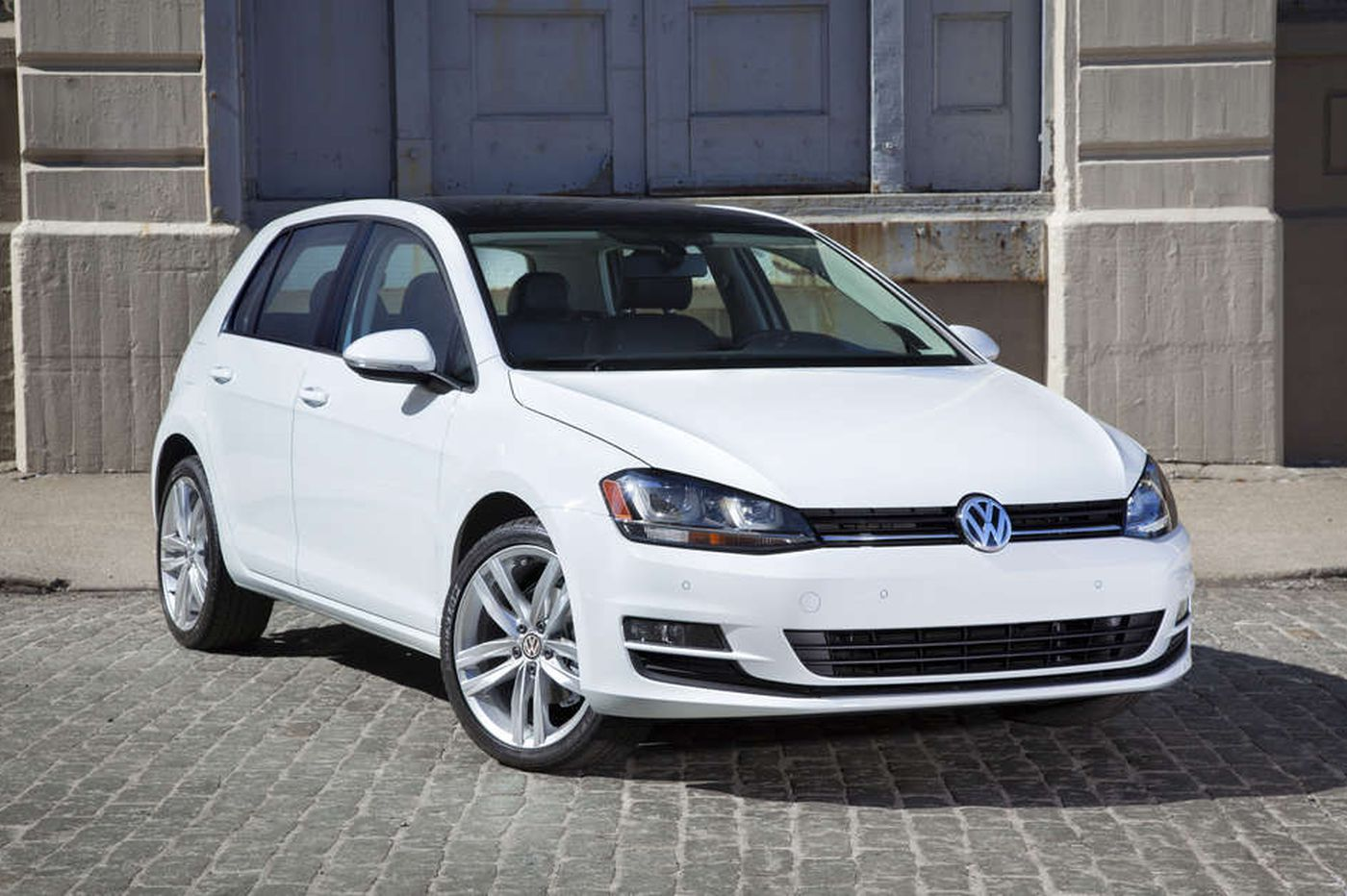 Driver's Seat: How does the 2015 VW Golf stand up to its Jetta counterpart?