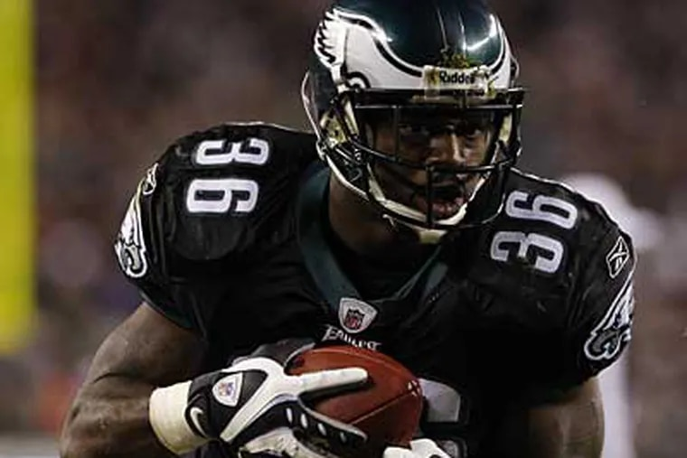 Brian Westbrook had four touchdowns in the Eagles' 48-20 win over the Cardinals. (Staff Photographer)