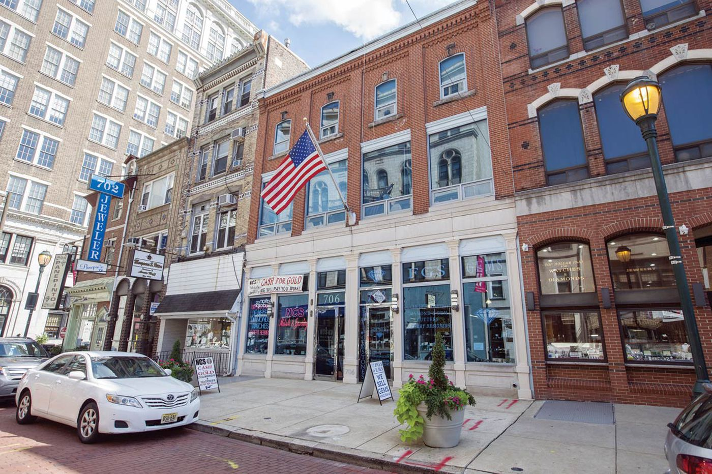 Toll Bros. seeks to build 16-story residential building on Jewelers Row