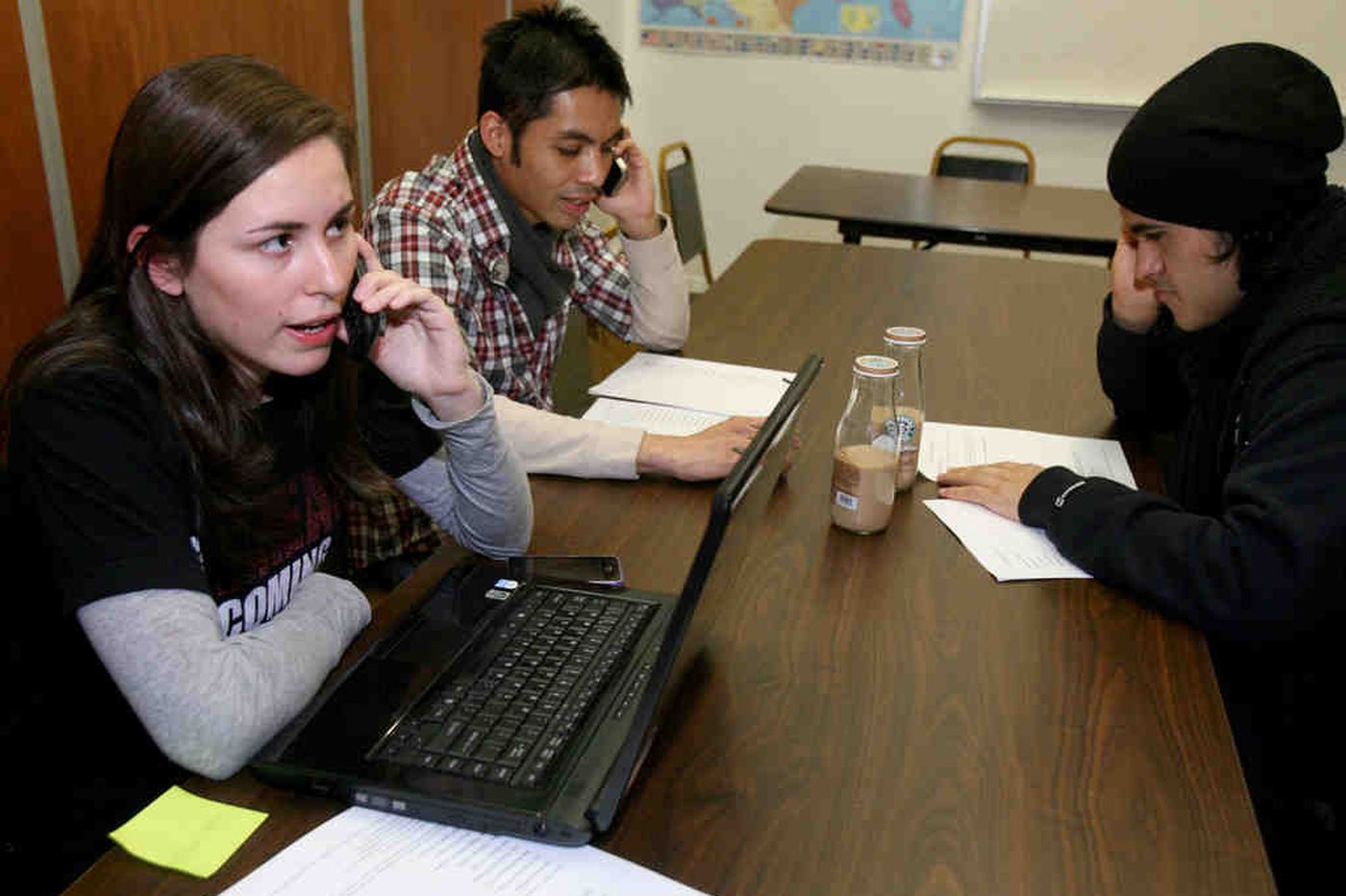 Philadelphia phone bank urges passage of immigration law