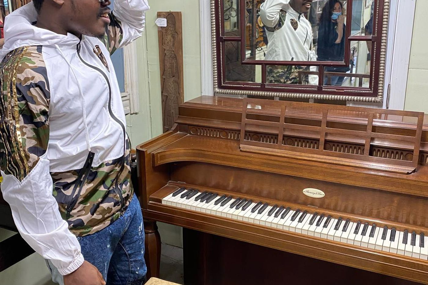 An impromptu performance leads to a gift of a vintage Steinway piano